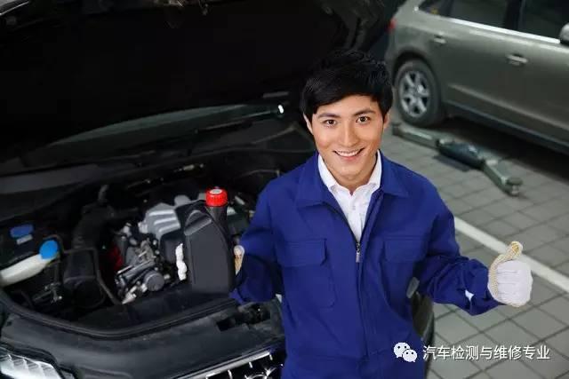 """汽车维修到底有多复杂,你进来看下就知道,以后别说技"""""""