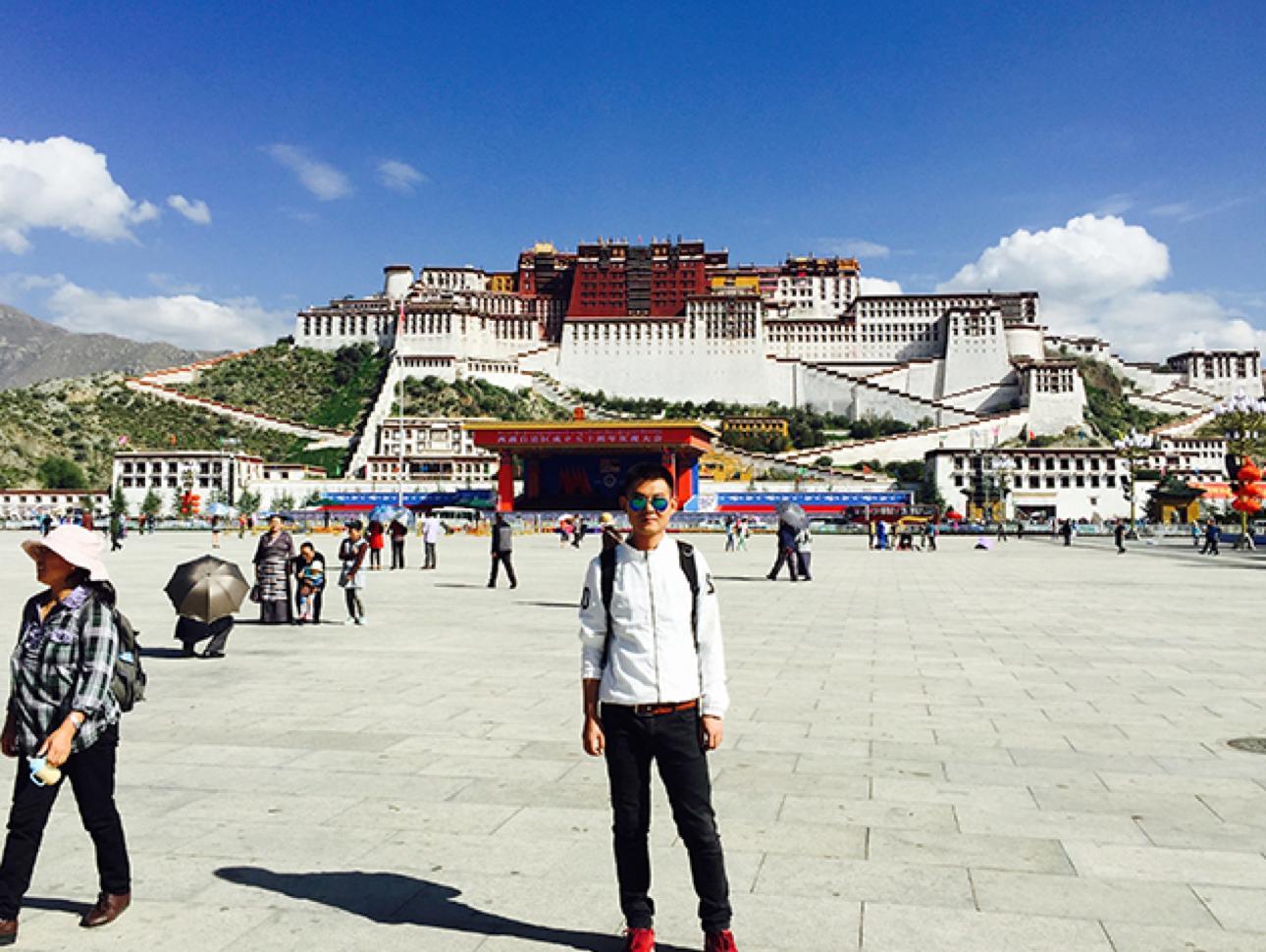 """你在北京吸霾,我却被拉萨的阳光晒得睁不开眼"""""""