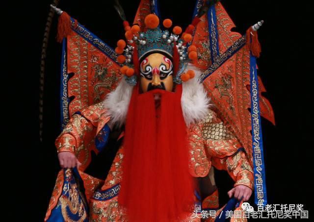 藏戏面具和京剧脸谱的撞脸