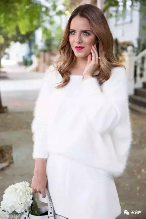 赵丽颖专宠的白毛衣,减龄又好看!