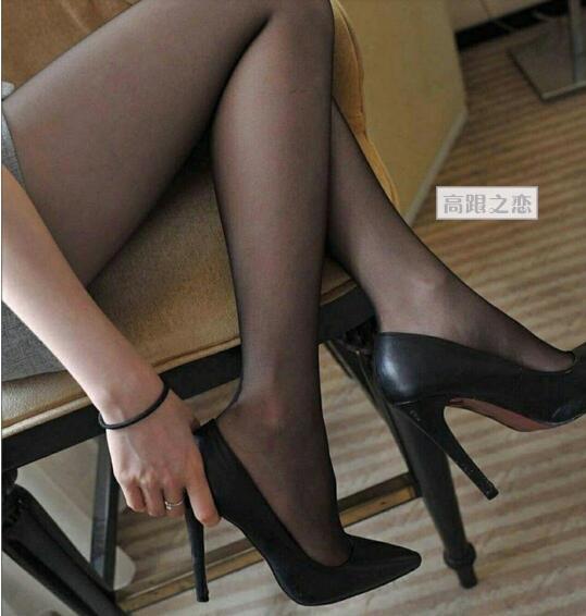 脚踝的时尚魅力,只有高跟鞋才懂