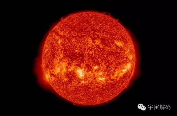 2013年12月2日的太阳图像,太阳的热核反应可不断向周围宇宙空间辐射能量,科学家通过观测恒星的颜色可以推测出恒星的许多奥秘,红色的恒星大约在3000k左右,黄色的大约为6000k,而白色的就接近9000k,最热的角宿一则会超过20000k   的近邻,但