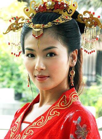 女星古装华丽新娘造型比拼,刘诗诗赵丽颖各种养眼