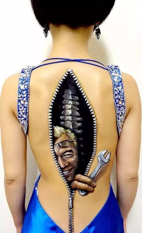 日本--无码-人体_日本艺术家创作逼真人体彩绘 令人倒吸一口凉气