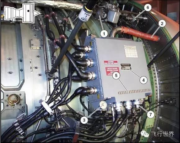 压力开关,监视向发动机进气道前缘提供的气压图片