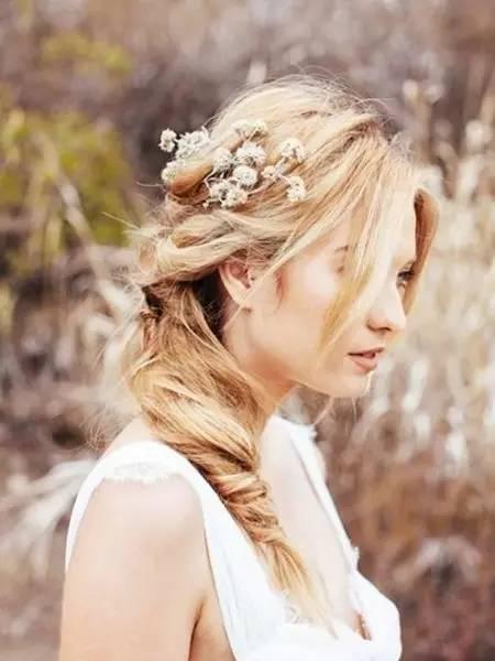 鲜花与boho风发型从来都是绝配.图片