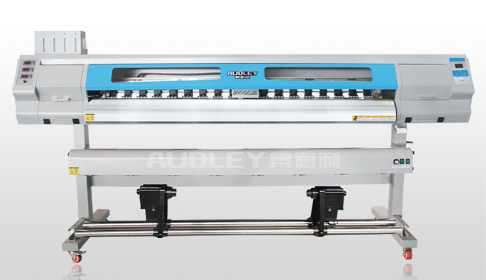 但是由于技术操作以及板卡,墨水,打印耗材等方面的原因,使用写真机的