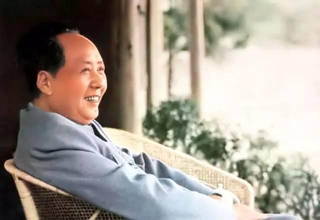 为什么没上过一天军校的毛泽东却有超人的军事头脑 无敌于天下?