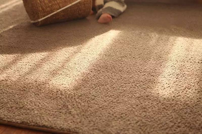 废旧丝袜编织地毯