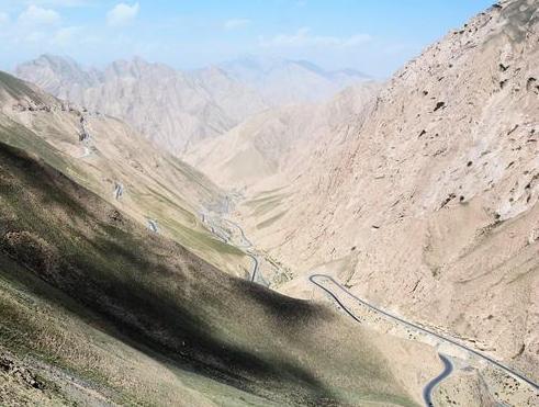 """新藏线一条铁军用生命守护的天路,是进藏最危险的"""""""