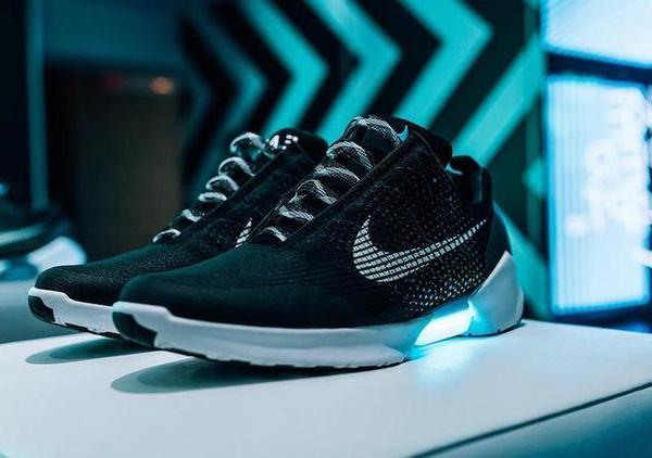 运动鞋阿迪达斯VS耐克,你钟爱哪个品牌呢