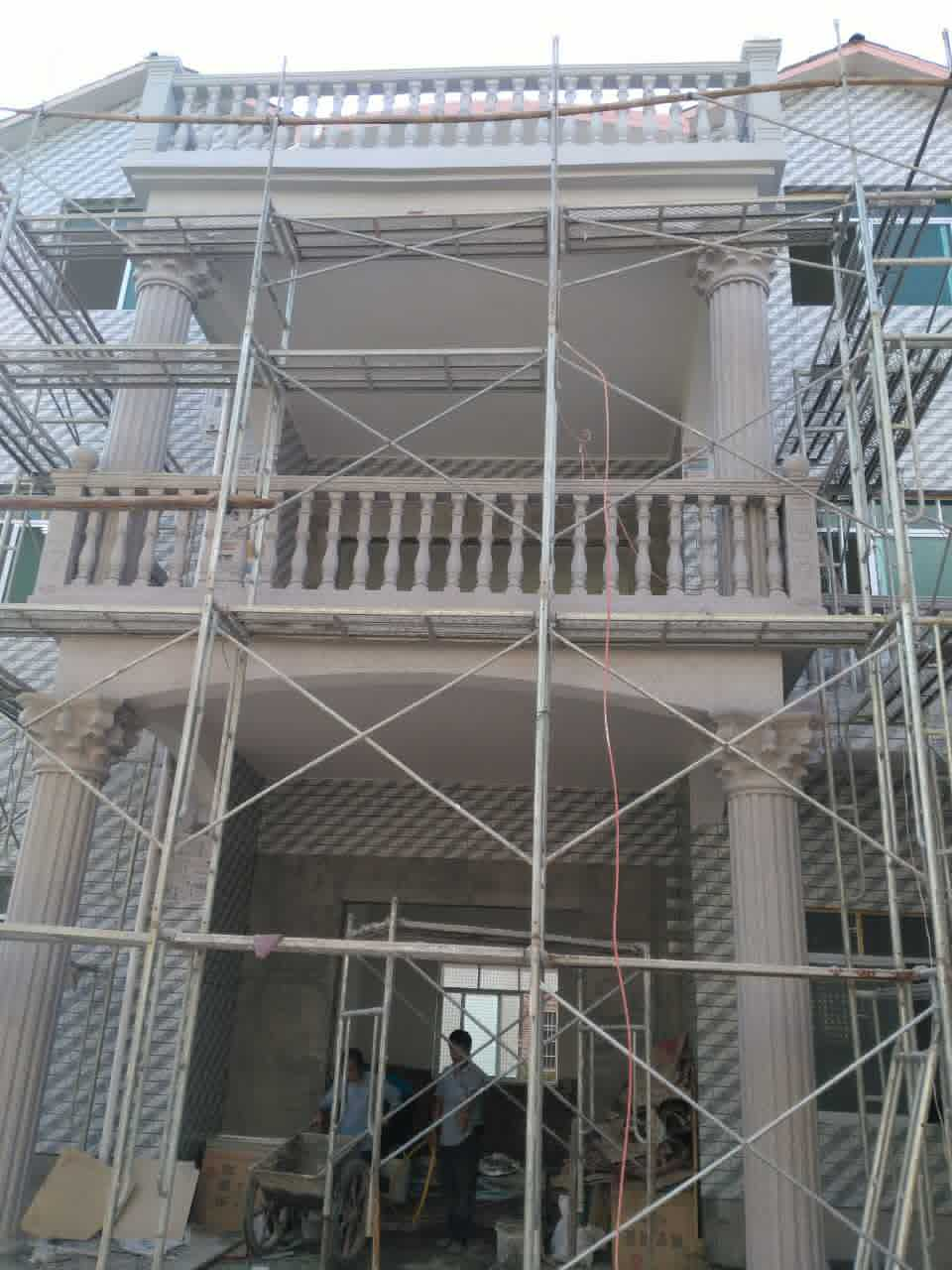 、水泥罗马柱、阳台护栏施工效果图-罗马柱种类 农村罗马柱房子效