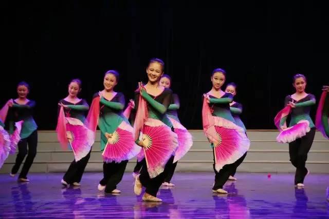 舞蹈胶州秧歌苦菜花图片 舞蹈胶州秧歌苦菜花图片大全 社会热点图片