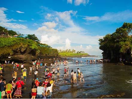 """激情之旅:巴厘岛激情漂流阿勇河,欢快玩乐钻石湾"""""""