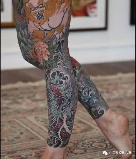 传统包小腿纹身