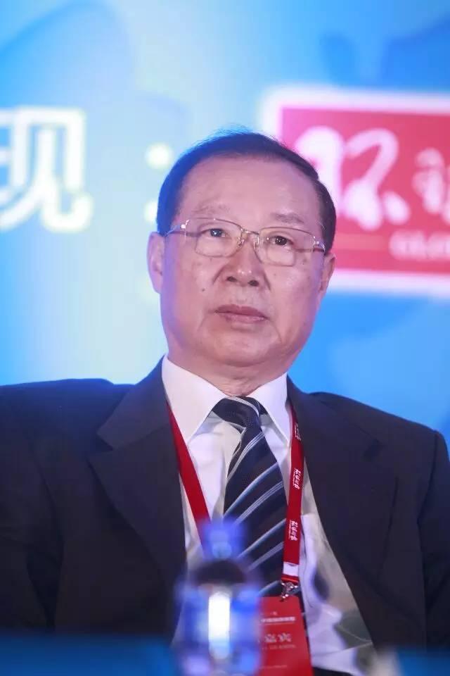 {2017年解放军退役的中将}.