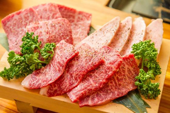 日本神户牛肉餐厅_神户   霜降牛肉