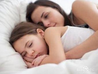 """孩子何时睡觉更聪明,睡觉时间真有这么大影响吗?"""""""