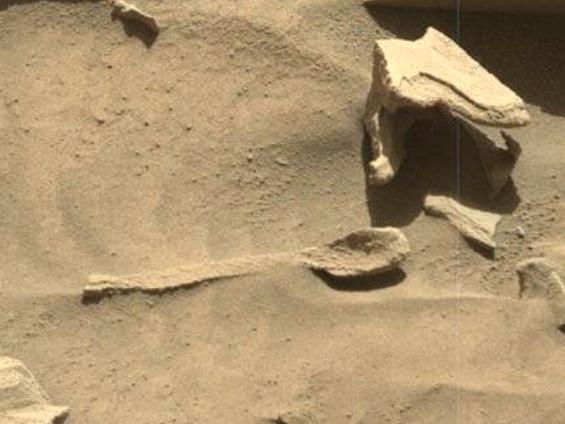 """火星上再次发现勺子,NASA好奇号照片发现"""""""