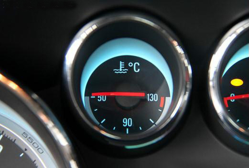 汽车发动机冷却系统工作原理及日常保养高清图片
