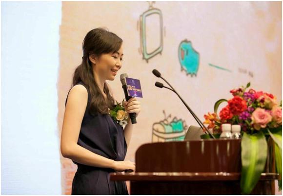 酷开李晶携产品出席2016中国虚拟现实产业创新大会