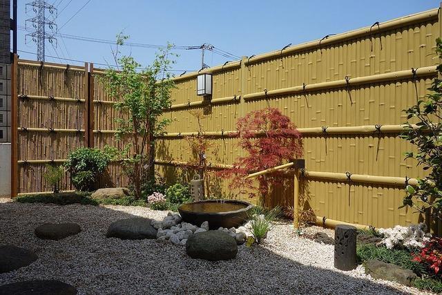 别墅的庭院设计_别墅庭院木屋设计_别墅庭院车库设计