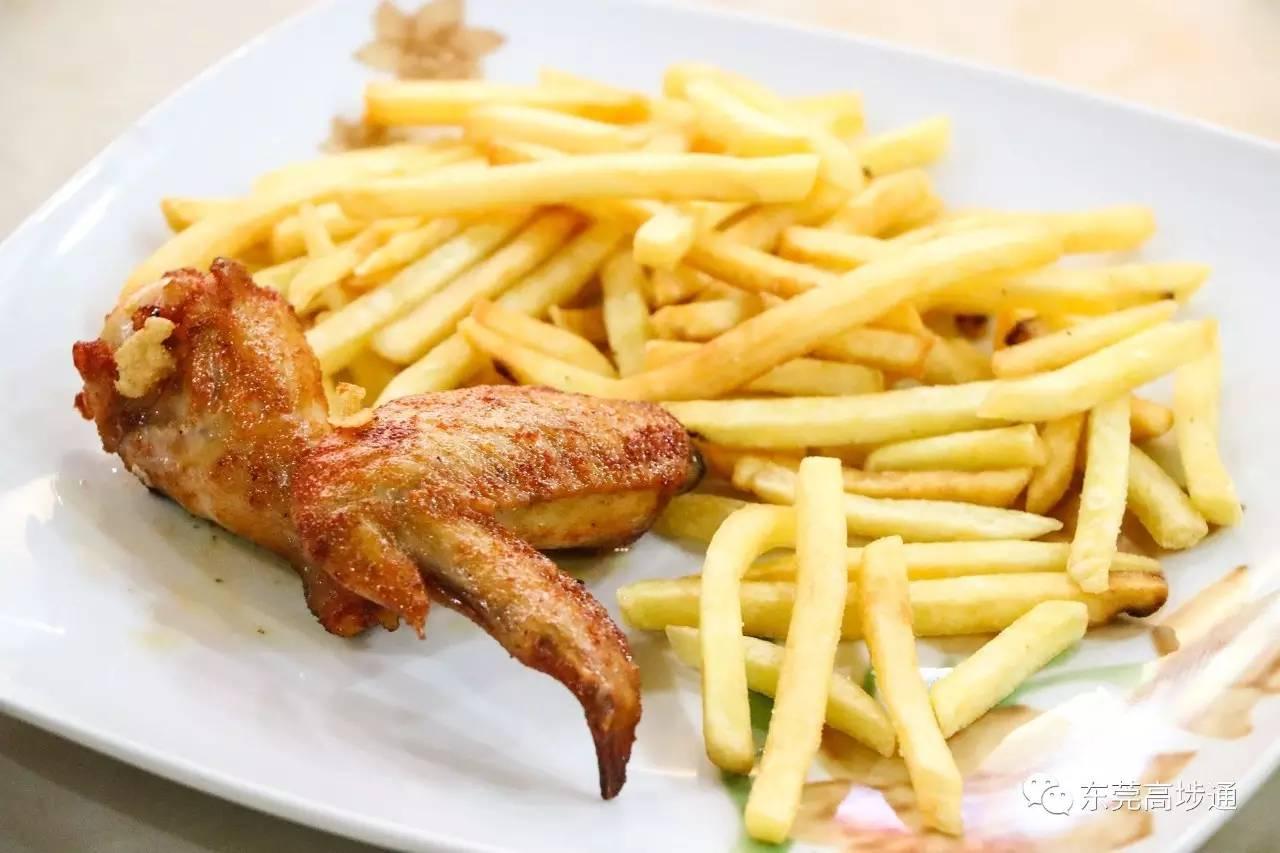 奥尔良炸鸡翅+薯条图片