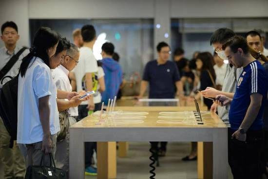 """这家日本企业决定iPhone明年用不用OLED"""""""