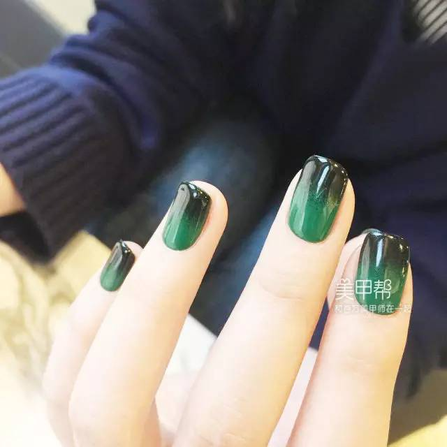 2017年最流行绿色系美甲图片