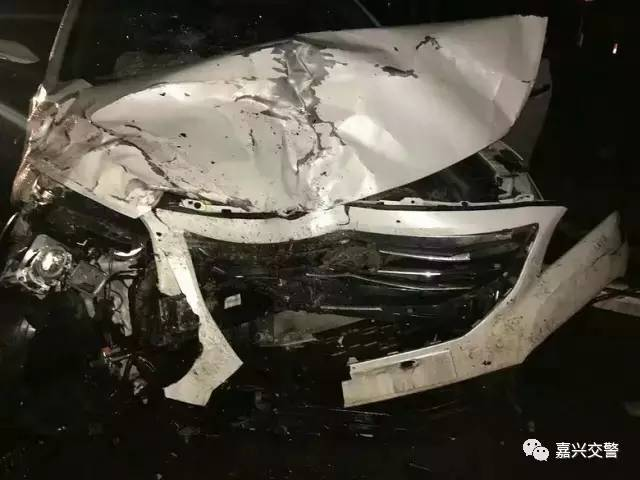 """嘉兴三车相撞,2人死亡!"""""""