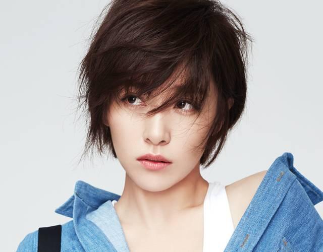 因《麻雀》火起来的阚清子,一头短发真是太亮眼了!图片