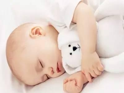 宝宝白天睡觉晚上不睡觉怎么办