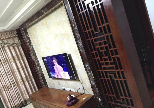 """""""高端""""的电视背景墙,""""尊贵""""的瓷砖上墙"""