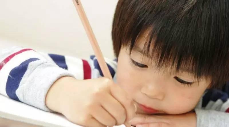 """最绝的检查作业技巧,孩子的成绩越来越好了"""""""