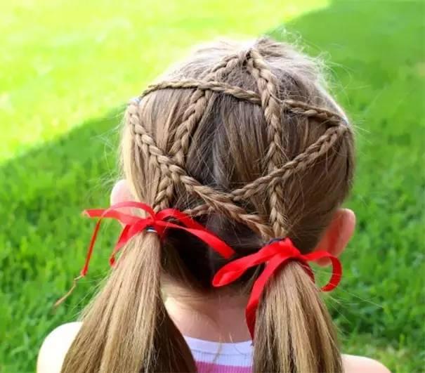 编一个五角星的头发,美得不要不要的.