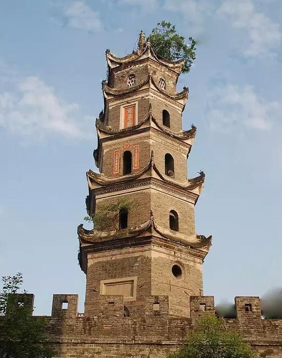 """汉阴文峰塔:百年古塔镇守山城"""""""