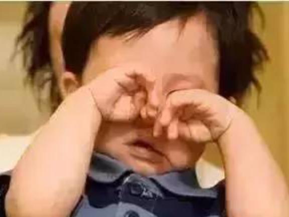 """宝宝哭闹没这么简单,可能是肠绞痛或胀气!"""""""