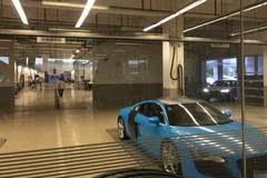 浙江小伙花200万买辆奥迪R8,刚上完车牌就将车标改成了五菱
