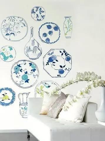 素雅的青花瓷手绘涂鸦,让客厅这个小角落更别致了.