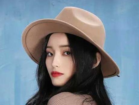 """现代女性最爱时尚单品——帽子"""""""