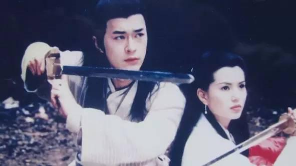 在武侠小说视频剑者大多也是武功高强的儒雅中用.行尸走肉电视剧第一季第一集书生图片