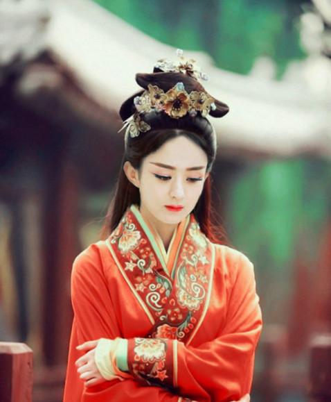 郑爽赵丽颖演古装,一个傻气如村姑一个美艳如仙女