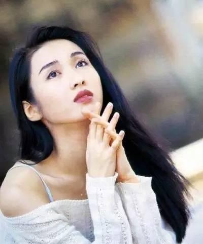 无情车祸打不垮坚强姐弟,她是TVB中最美姐姐,下嫁残疾富豪之后终于找到幸福