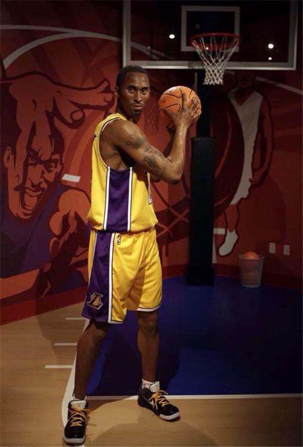 NBA球星蜡像大对比 黑人最逼真,姚明像孙杨图片