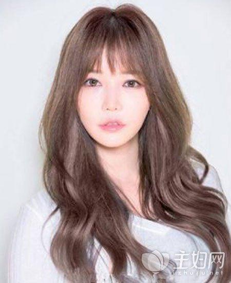 韩式大卷发型图片精选 这个冬天烫个大卷发最流行图片