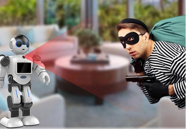 城市漫步智能机器人管家小E,要抢保姆的位置了