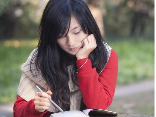 """初中语文阅读题:6个万能模板,让孩子考满分!"""""""