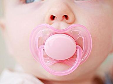 """宝宝用安抚奶嘴或致命?奶嘴的优缺点你是否都知道"""""""