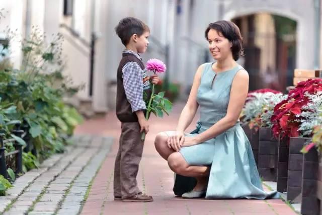 """母亲的形象对孩子的影响有多大?该反省自己了!"""""""