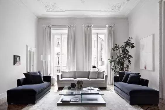 也可以用石膏线装饰的屋顶或顶角,不过貌似这样的装饰 在欧式住宅设计图片